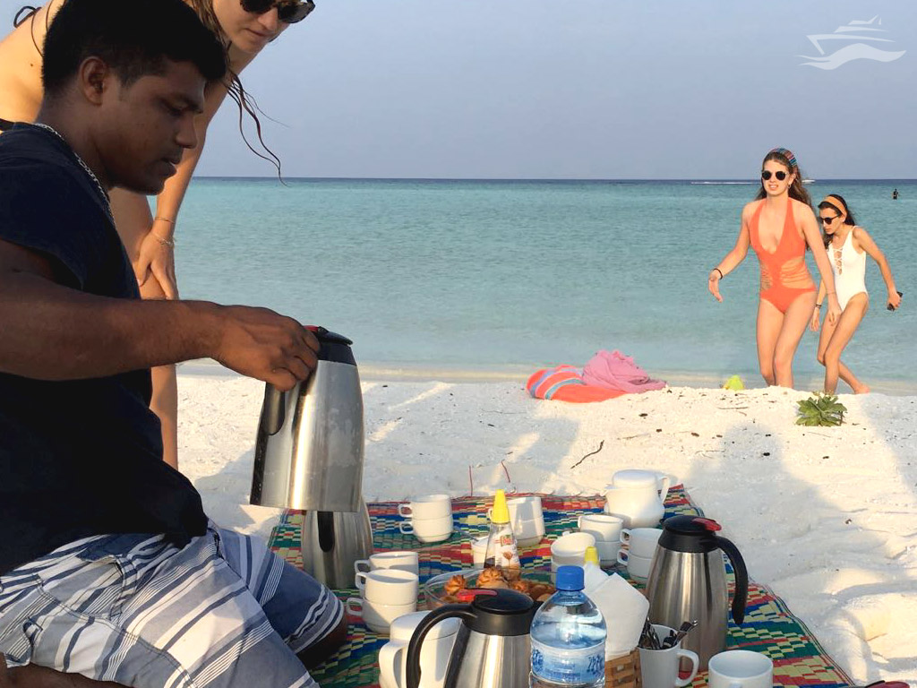 Merienda en una isla desierta