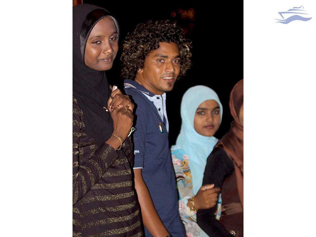 Gente Malé. Yates Maldivas