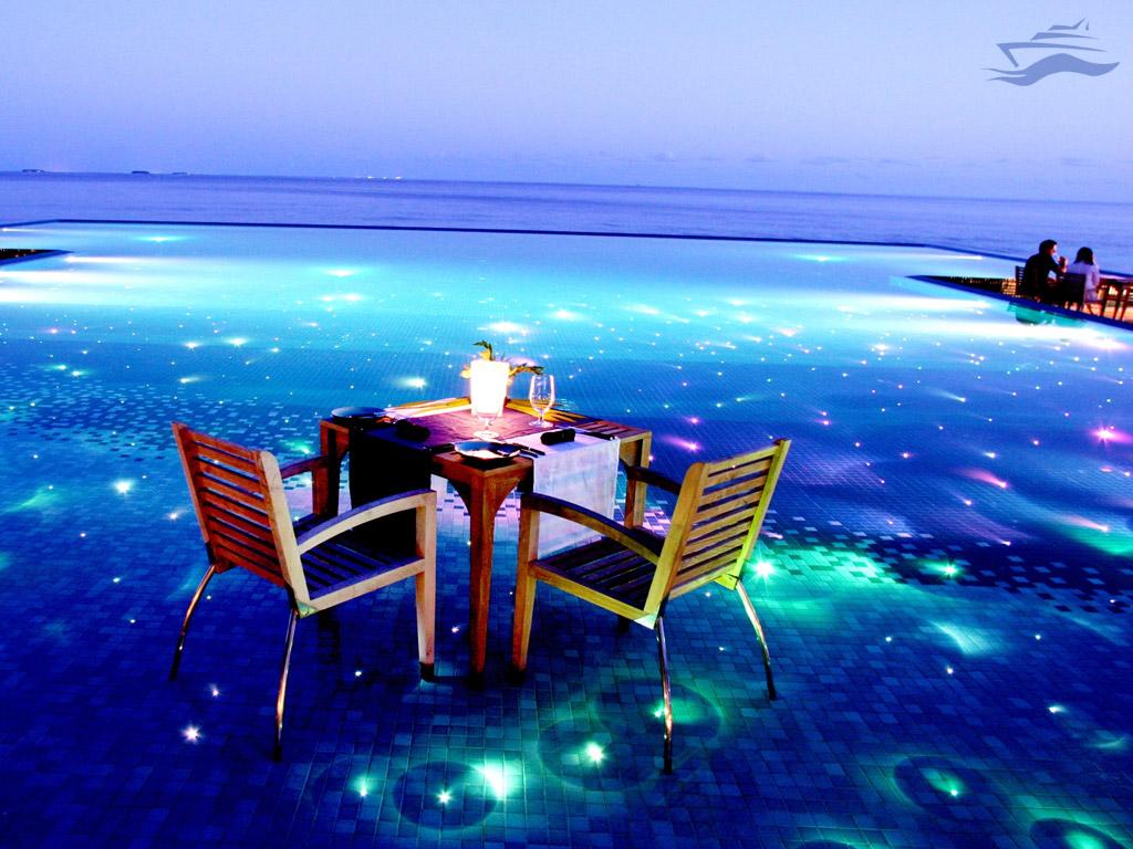 Cena Hotel Resort Huvafen Fushi