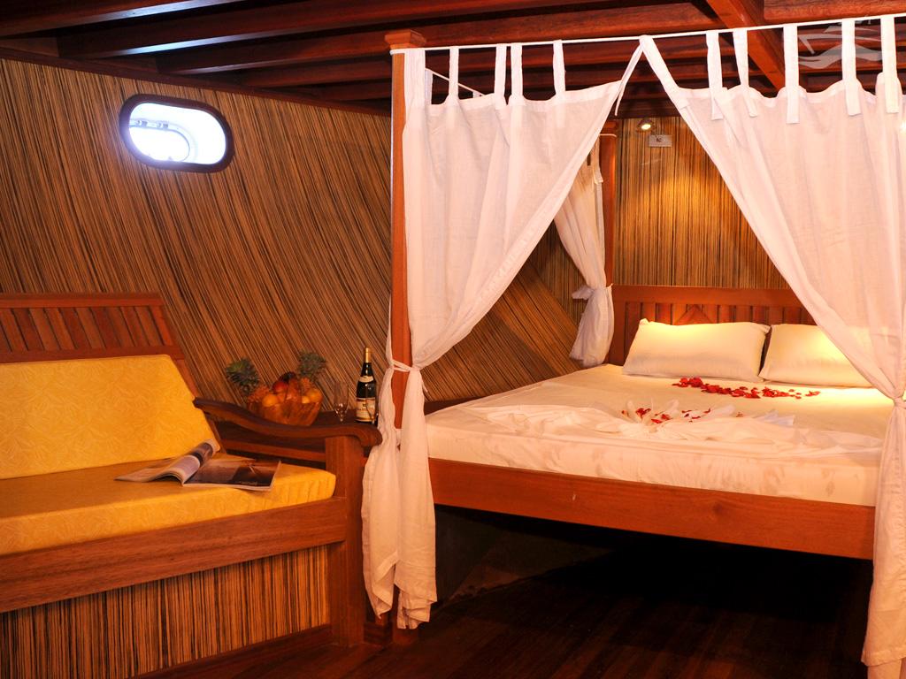 Habitación matrimonio. Yate Maldivas Ra