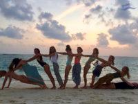 Viaje de amigos en grupo. Yates Maldivas